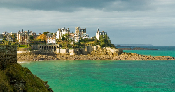 Flights from Liverpool to Dinard - Pleu