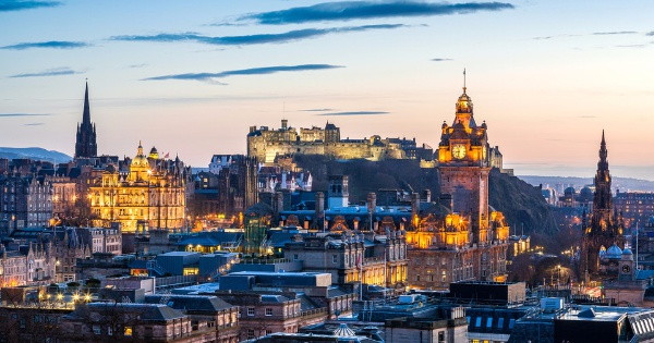 Flights from Barcelona to Edinburgh