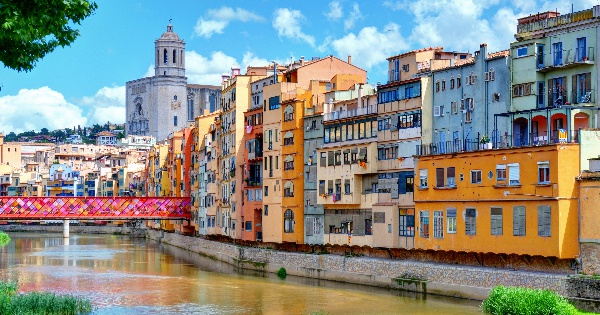 Flights from London to Girona