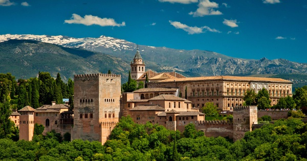 Flights from London to Granada