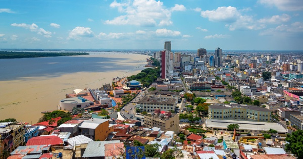 Flights from London to Guayaquil