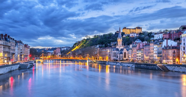 Flights from Barcelona to Lyon - Saint-Exupéry