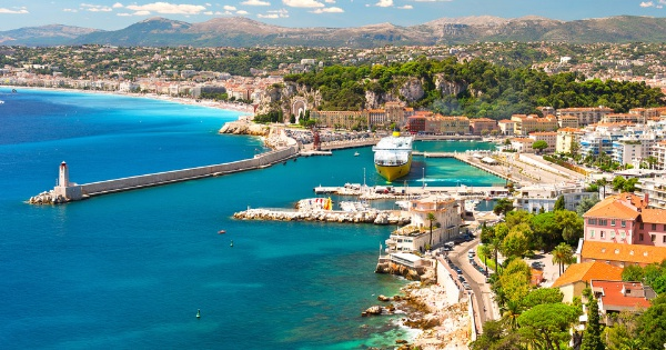 Flights from Edinburgh to Nice