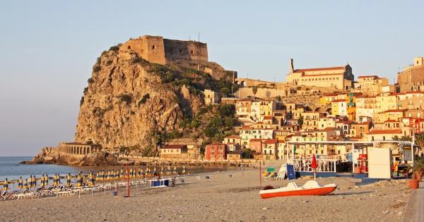 Vuelos de Reggio Calabria - Tito Menniti