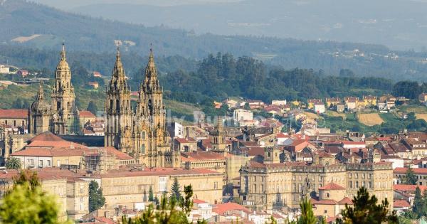 Vuelos de París - Charles de Gaulle a Santiago de Compostela
