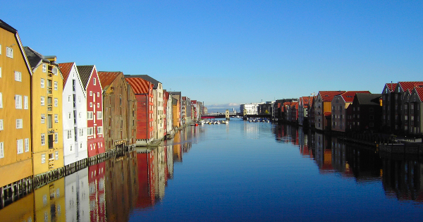 Flights from London - Heathrow to Trondheim - Vaernes